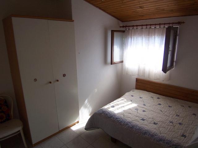 Max. Schlafgelegenheit: 5. Schlafzimmer (2 Betten), Schlafzimmer (3  Betten), K Che Und Wohnzimmer, Badezimmer (Dusche) Terrasse (12m2) Mit  Blick Aufs Meer